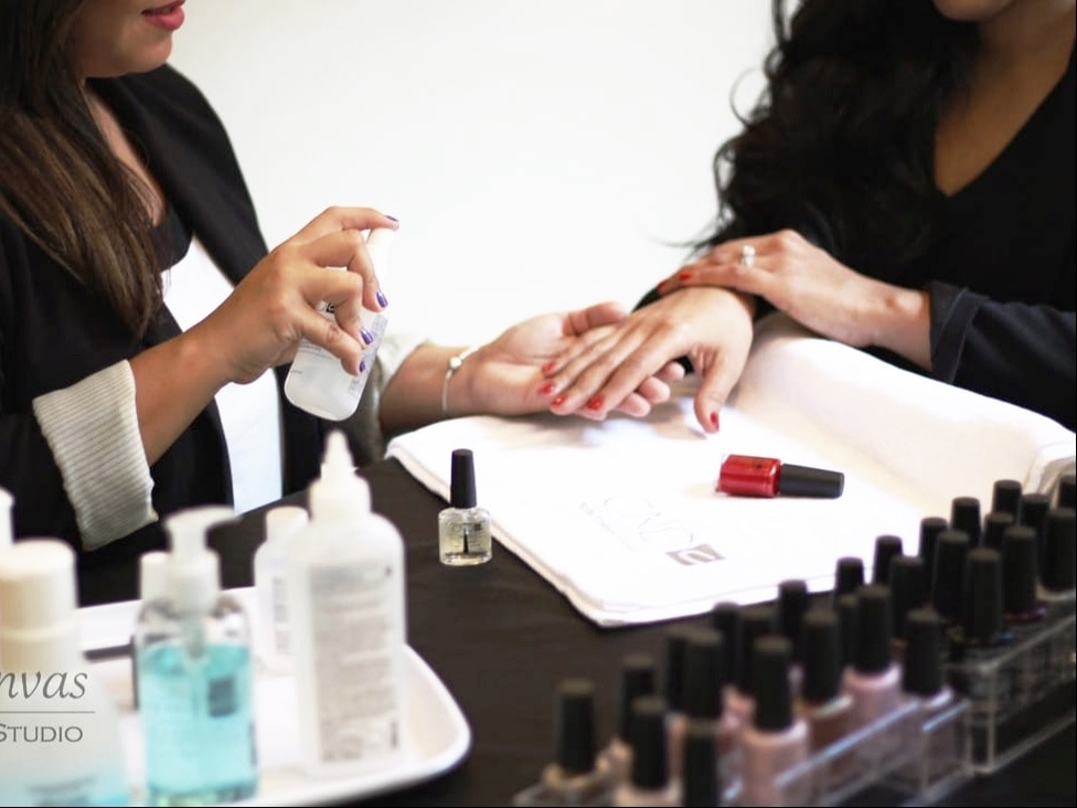 Canvas Nail Studio Integrates Manicures for Workplace Wellness.  Boost morale, increase productivity and help your team feel confident and refreshed! Servicing Chicago and nearby suburbs
